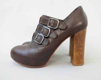 Authentic Chloé boots | Brown leather buckled booties with wooden heels | size 39