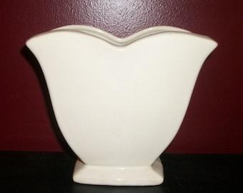 Vintage McCOY White Tulip Garden Club Line 1950s Heart Shape Vase