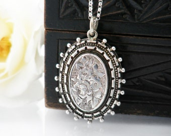 Antique Locket | Sterling Silver Victorian Locket, Silver Beaded Edge Oval | Forget-Me-Not Flowers | Memento Locket Necklace - 20 Inch Chain