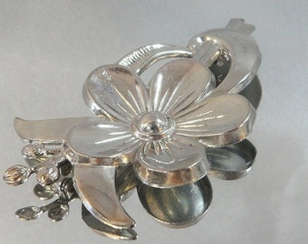 ON SALE Vintage Flower Brooch. Silver. Modernist. Blossom.