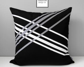 Black White Outdoor Pillow Cover, Decorative Grey Pillow Cover, Modern Grey Pillow Cover, Geometric Sunbrella Cushion Cover Linear Mazizmuse