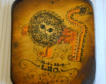 Vintage Mid Century Zodiac LEO Lion Burnished Wooden Wall Hanging Plaque