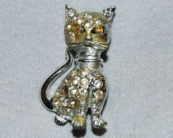 Cat Kitty Rhinestone Brooch / Silver Tone / Rhinestone / Vintage / Pin / Collectible / old  jewelry