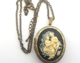 Lovers Cameo Locket, Black and Cream, Valentine Necklace, Victorian Cameo, Valentine Locket Necklace, Choose Bronze or Gunmetal