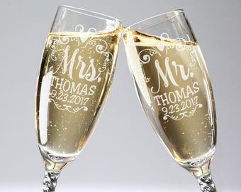 Mr. Mrs. Wedding Reception Celebratory Flutes Twisty Stem Groom Bride Chamapagne Glass Favor Gift for Couple Newlywed Mr Mrs Him Her Glasses