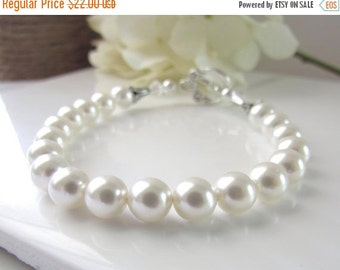 White Pearl Bracelet, Single Strand Pearl Bracelet, Simple Pearl Bracelet, Bridesmaids Bracelet, Handmade Bridal Jewelry