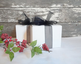 White Gift Box, Ornaments Gift Boxes, Mug Gift Box, Mason Jar Gift Box, Stemless Wine Glasses, Scotch Glasses, PERSONALIZED to Your COLORs!