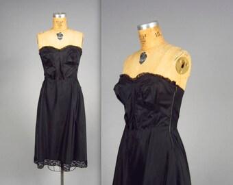 1950s bombshell slip  • vintage 50s bullet-bra • swishy nylon bustier slip