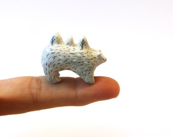 RESERVED FOR VANESSA   Bear totem - Animal miniature-  Hand sculpted paper clay tiny animal