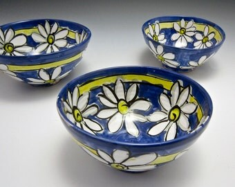 Small Ceramic Serving Bowl - Pottery Serving Bowl- White Daisy Flower Cobalt Blue - Clay Bowl - Majolica Bowl - Prep Bowl - Kitchen Decor