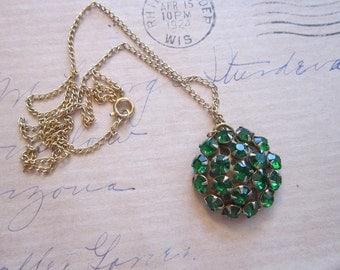 vintage rhinestone pendant necklace - green rhinestones - 18 inch chain