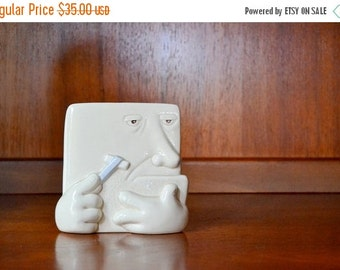 SALE 25% OFF vintage 1987 fitz and floyd brush holder