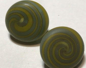 Satin sea glass chartreuse turquoise spiral borosilicate glass button. 12-14mm