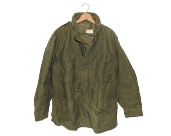 Vintage U.S. Military M65 Field Jacket Army Green Made in USA - Large