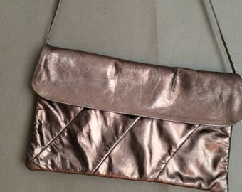 WEEKEND SALE! metallic 80's leather handbag / vintage purse / clutch / bronze / dance party / retro