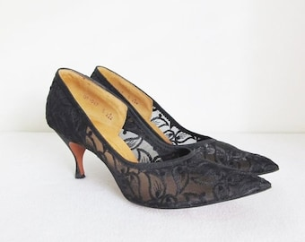 40% OFF SALE Vintage 1950's Black Lace Stiletto Heels / Woman's Size 8 Narrow Fashion High Heels Pumps
