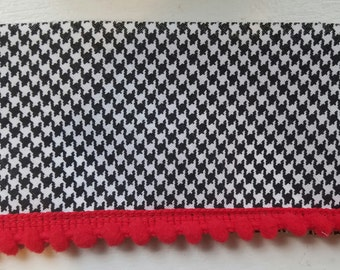 Cotton Bias houndstooth with small pom pom fringe 21 yards wholesale