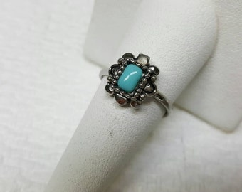 Avon Aztec Style Pinky Ring Silver  Tone   Mint condition 1993 size 3