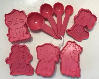 Animal Cookie Cutters - set of 5 - Pink Plastic Pony, Puppy, Elephant, Cat, Alligator