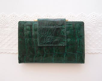 vintage Alligator Wallet French Purse Clutch billfold glossy emerald green with kisslock coin compartment