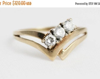 JAN SALE Vintage Ladies Cubic Zirconia Double Wishbone Engagement Ring Yellow Gold 9k 9kt 375 | FREE Shipping | Size L.5 / 6