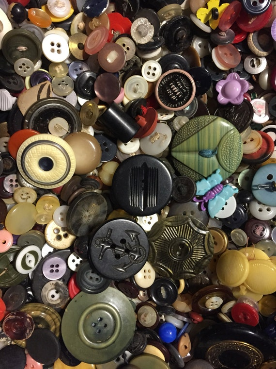 Vintage Plastic Buttons Grab Bag Mixed Colors And Sizes