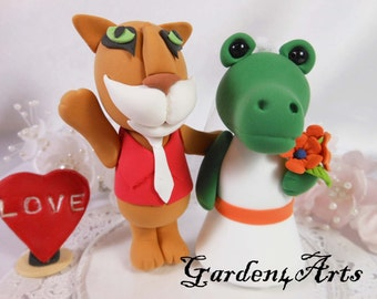 Custom Wedding Cake Topper--Houston Cougar & Florida Gator - College Mascot Love Couple with Circle Clear Base
