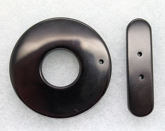Large Black Agate Round Toggle Clasp