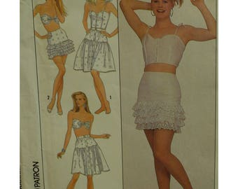 Eyelet Camisole and Bra Pattern, Open Midriff, Straps/Strapless, Fitted Skirt, Low Waist Skirt, Simplicity No. 8635 UNCUT Size 12 14 16