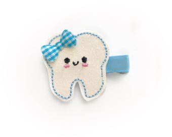 Cute tooth Felt hair clip / felt hairclip / baby girl hairclip / girl hair clip / barrette / dentist / tooth fairy