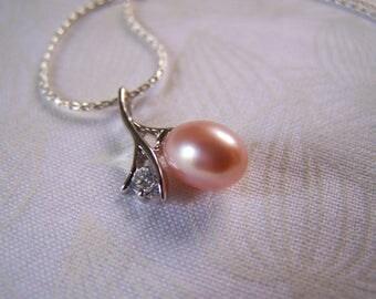 Pearl Pendant Peach Color