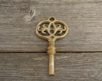 Vintage Secret Garden Antique Brass Skeleton Key Chuck - RARE