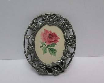 Vining Roses Oval Pewter Picture Frame antiqued silver colored metal 2 x 3 frame