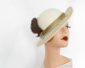 Vintage fedora hat, 1960s white, brown feather, Ruth Alan