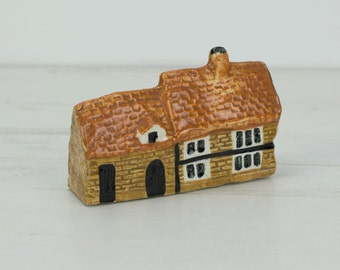 House Figurine Pottery - Small - Miniature - Ornament - Decoration - Brick - Cottage