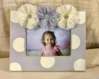 Gray and ivory 4x6 frame eith shabby jeweled flowers