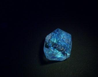 UV Quartz Crystals. Strong Blue fluorescence. Glows UV Light Hydrocarbon Petrol Inclusions Double-Terminated. 1 pc 19x14 mm (QTZ590)