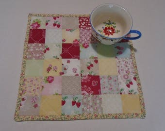 Quilted Table Topper with Flowers and Strawberries, Mini Quilt, Floral Quilted Table Mat, Mug Rug, Mug Mat, Cottage Chic Table Topper