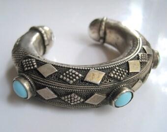 Silver Saudi Cuff, Vintage Bedouin Bracelet from the Arabian Peninsula