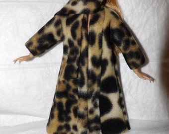 Stylish Fleece coat & scarf set in Leopard print for Fashion Dolls - ed996