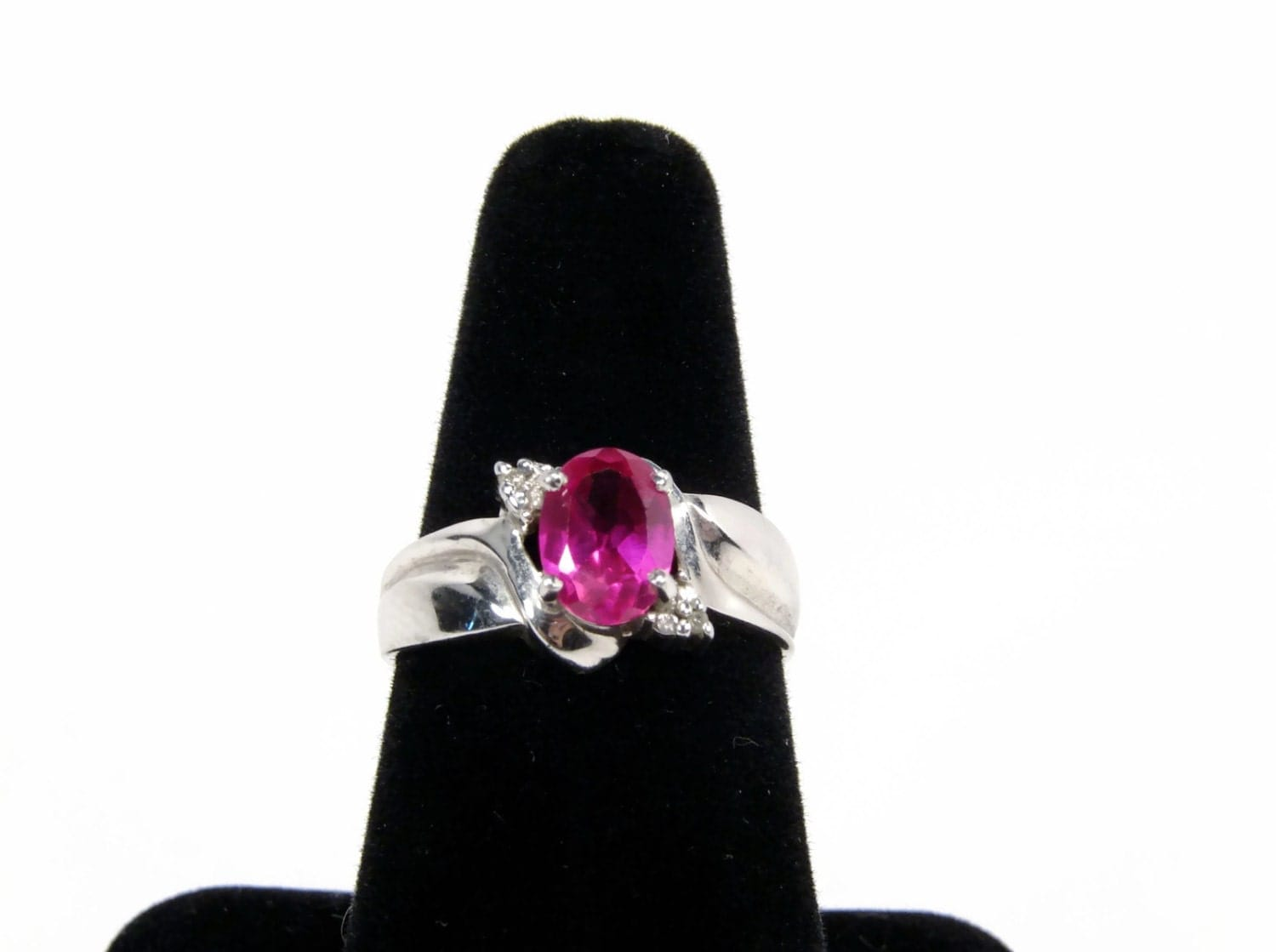 sterling silver lab created ruby ring size 7 vintage. Black Bedroom Furniture Sets. Home Design Ideas