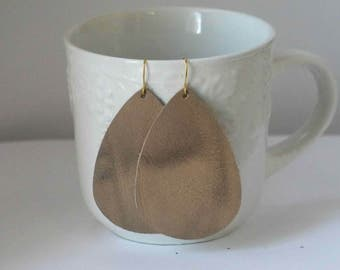 Brown Weathered Taupe Hazelnut Leather Drop Teardrop Earrings