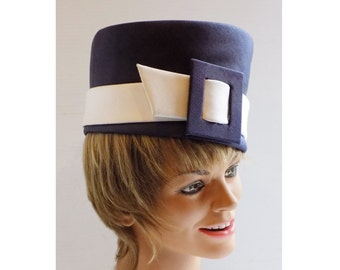 1960s MOD Pillbox hat with huge Buckle by Emme, inc., New York / Navy Blue / MINT!
