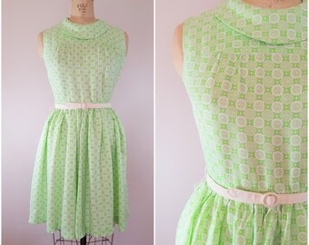 Vintage 1950s Dress / Spring Green Rayon Dress / Sleeveless / Medium