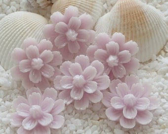 Resin Flower Cabochon with center bud - 20mm -  12 pcs - Pale Lavender