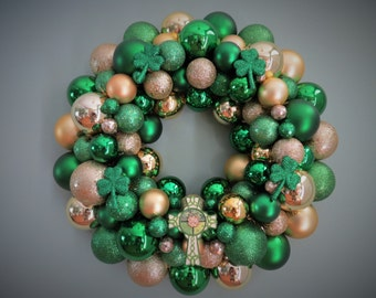 ST. PATRICK'S Day Wreath Ornament Wreath with Shamrocks and CELTIC Cross