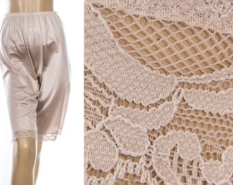 As new sexy 'Vanity Fair' 1970's vintage glossy silky soft champagne beige Antron nylon and delicate floral lace detail pettie pants - 3872