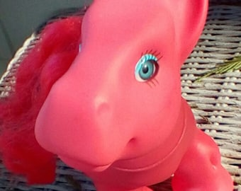 My Little Pony Type Toy.  SML Pink Pony with Saddle.   Y-082