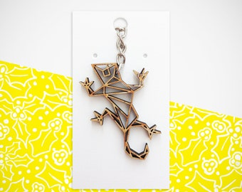 Wooden Origami Gecko keyring. Perfect for ALL occasions. Birthday. Christmas. Anniversary