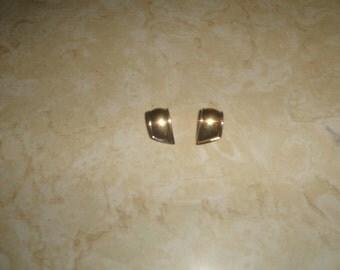 vintage clip on earrings goldtoner rosalee